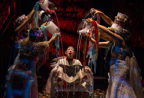 Фрагмент спектакля «Пиковая дама». Фото: пресс-служба Коляда-театра